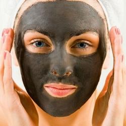 маска от черных точек с желатином и активированным углем